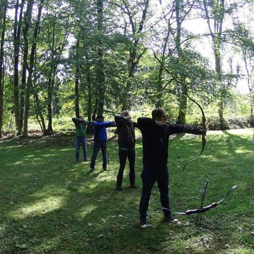 AbenteuerLernen.net intuitives Bogenschießen Tageskurse für Anfänger Bogenplatz an der Gammersbacher Mühle in Lohmar bei Bonn